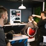 """Il était possible de passer au """"barbershop"""" au kiosque Scion"""