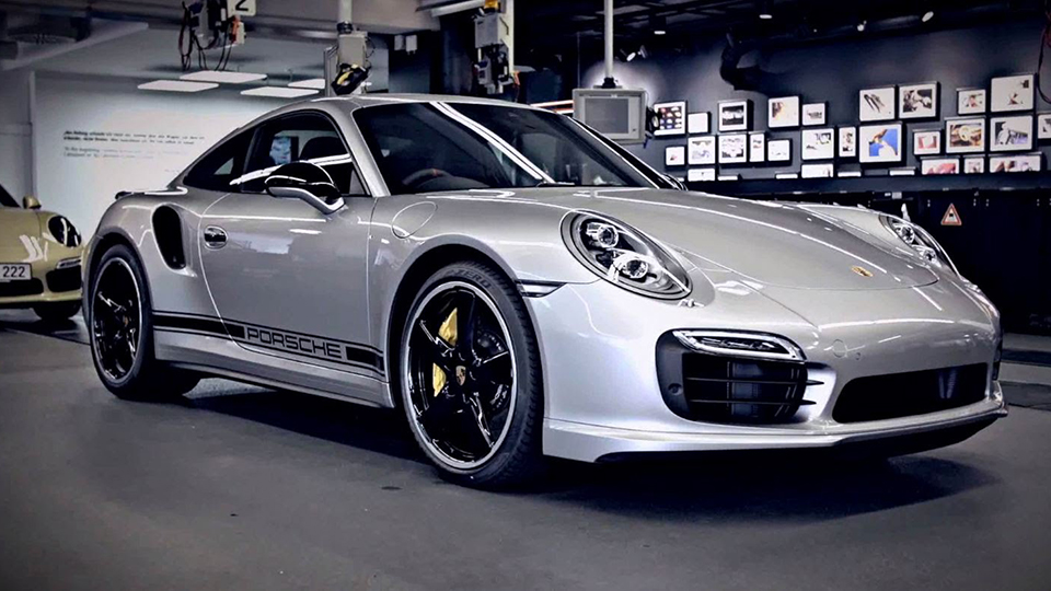 porsche-enthusiasts-magnus-walker-and-tony-hatter-appraise-the-new-911-turbo-s-exclusive-gb-edition-01